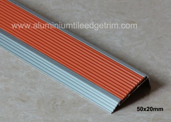 aluminium stair nosing profile with insert PVC rubber