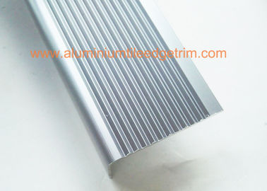 China Right Angle Slip Resistant Chrome Stair Nosing Anodized Light Blue Color supplier