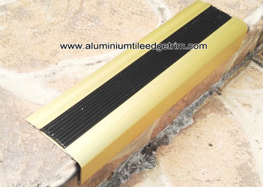 China TL30 Matt Gold Non Slip Aluminum Stair Splint With Rubber For Staircase Edge supplier