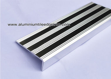 China Replaceable Aluminum Non Slip Stair Treads Anodized Shiny Silver supplier